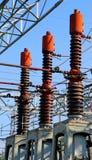 tre säkerhetsbrytare i den elektriska avdelningskontoret av det hydroelektriskt royaltyfri fotografi
