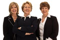 Tre säkra affärskvinnor Royaltyfria Bilder