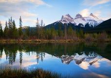 Tre sorelle Rocky Mountains al tramonto Fotografia Stock Libera da Diritti