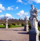 Tre statyer i parkera Royaltyfri Fotografi