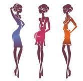 Tre stilfulla flickor för kontur Royaltyfri Foto