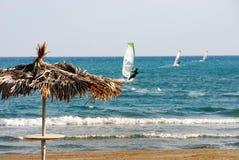 Tre surfisti del vento Immagini Stock Libere da Diritti