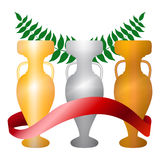Tre tazze - dorate, argento, bronzo - con l'illustrazione rossa del nastro Immagine Stock Libera da Diritti