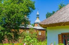 Tre 16th århundrade för helgon kyrka och för boningshus Arkivfoto