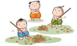 Tre thailändska ungar sopar sidorna Royaltyfri Bild