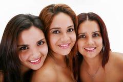 Tre unga kvinnor.  Systrar Fotografering för Bildbyråer