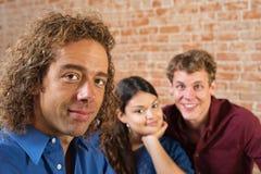 Tre unga vuxna vänner Arkivbilder