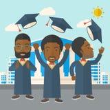 Tre uomini che gettano il cappuccio di graduazione Immagine Stock