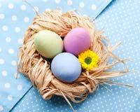 Tre uova del easer sul tovagliolo Fotografia Stock Libera da Diritti