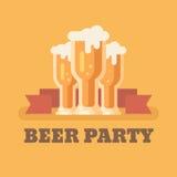 Tre vetri di birra su fondo arancio illustrazione di stock