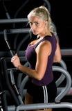treadmill γυναίκα Στοκ εικόνα με δικαίωμα ελεύθερης χρήσης