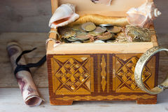 Treasure chest, old coins Royalty Free Stock Photography