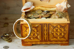 Treasure chest, old coins Royalty Free Stock Photos