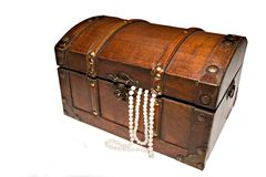 Treasure chest and pearls Royalty Free Stock Photos