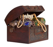 Treasure trunk with jewellery Royalty Free Stock Photography
