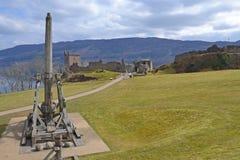 Trebuchet和城堡 库存图片