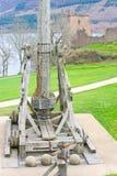 Trebuchet al castello di Urquhart. Fotografia Stock