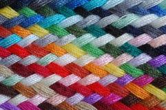 Treccia multicolore delle lane   Fotografie Stock
