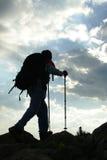 Trecking sob o céu maravilhoso Imagens de Stock