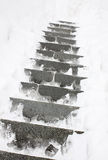 Treden die met een sneeuw worden behandeld Stock Afbeelding