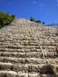 Treden van de Ruïnes van de Piramidecoba van Nohoch Mul Royalty-vrije Stock Afbeeldingen