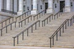 Treden voor de het Capitoolbouw van de Staat van Utah stock foto's
