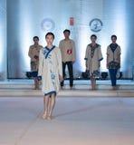Tredje serie av den Ya kläder-mode showen Arkivbilder