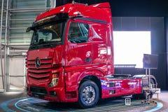 """Tredje utveckling Mercedes-Benz Actros för tung lastbil, flaggskepp för ¢s för """"för brandâ€â nytt från Mercedes Benz royaltyfri bild"""
