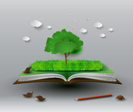 Tree on open book Royalty Free Stock Images