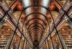 Treenighethögskola Dublin, Irland royaltyfri bild