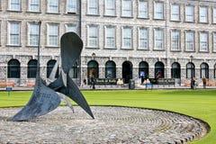 Treenighethögskolaarkiv, Dublin, Irland royaltyfri bild