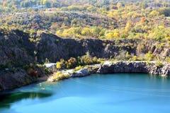 trees för höstlakepark Hösten landskap, färgar Färg som är färgrik arkivbilder