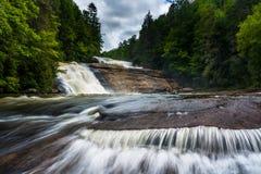 Trefaldiga nedgångar i Du Pont tillståndsskog, North Carolina Arkivbilder