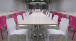 Treffen des rosa Raumes Stockbild