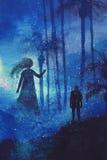 Treffen zwischen Mann und Geist im mysteriösen dunklen Wald Lizenzfreies Stockbild