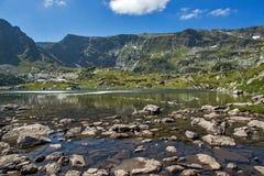 Trefoil湖,七个Rila湖, Rila山 免版税库存照片