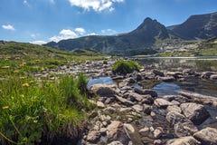 Trefoil sjön, de sju Rila sjöarna, Rila berg Arkivfoton
