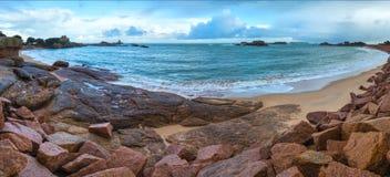Tregastel wybrzeża panorama Brittany, Francja (,) Zdjęcia Stock