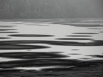 Treibeisschichten auf See Stockfoto