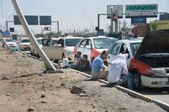 Treiberwartung Brennstoff im Irak Lizenzfreies Stockfoto