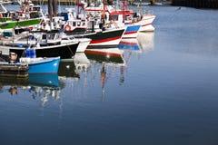 Treilers in de haven van Heilige Jean de Luz, Frankrijk Royalty-vrije Stock Foto