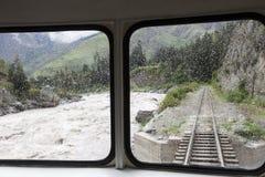 Trein aan Aquas Calientes in Peru Stock Afbeeldingen