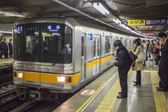 Trein aan Asakusa Stock Foto's