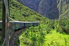 Trein aan Machu Picchu royalty-vrije stock afbeeldingen