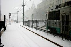 Trein in de Sneeuwstorm van Boston Stock Foto's