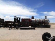 Trein in de Uyuni-woestijn royalty-vrije stock foto's
