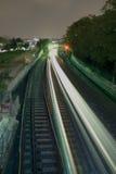 Trein die bij nacht reist Royalty-vrije Stock Foto