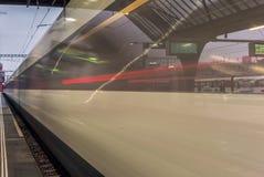 Trein die de post van Zürich verlaten - 8 royalty-vrije stock foto's