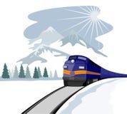 Trein die tijdens de winter reist Stock Afbeeldingen