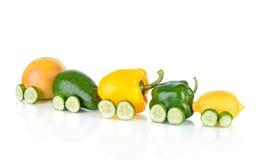 Trein die van diverse fruit en groenten wordt gemaakt Stock Foto